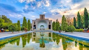 خبر-عدمحمایت مؤثر دولت و خروج سرمایه انسانی از بخش گردشگری استان یزد
