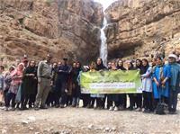 خبر-اقدام شایسته دانشجویان دانشگاه یزد در  پاک سازی تفرجگاه دره گاهان