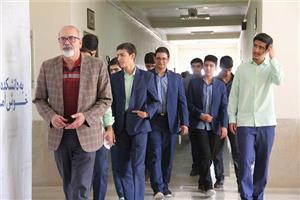 بازدید علمی جمعی از دانشآموزان دبیرستان کاشانی مهریز از دانشگاه یزد
